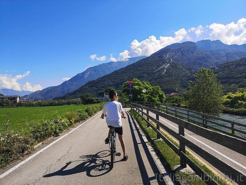 Ciclabile Torbole - Arco- fiume Sarca.