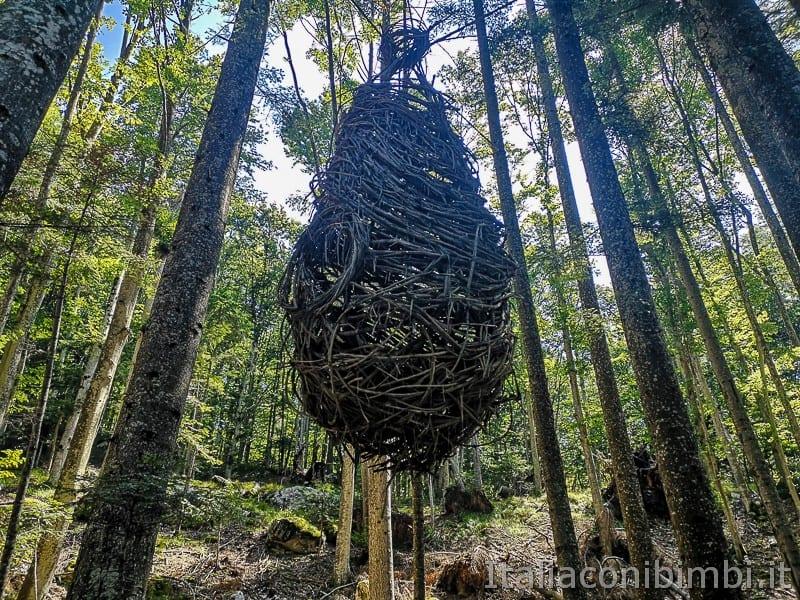 Sentiero il Respiro degli alberi- una delle opere