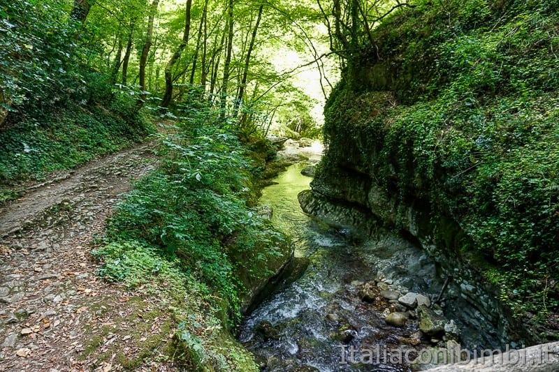 Valle dell'Orfento- passeggiata delle scalelle