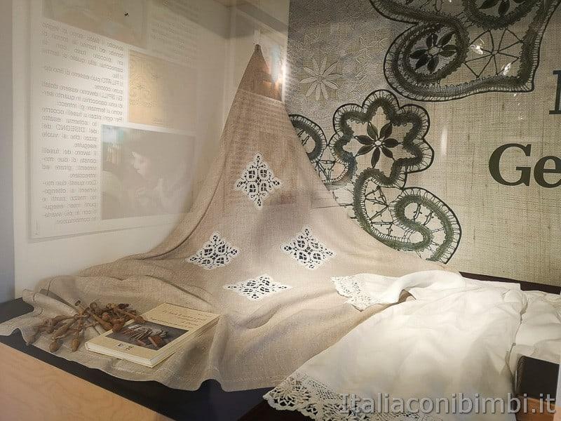 Centro di documentazione Luserna - Alpe Cimbra- arte del merletto