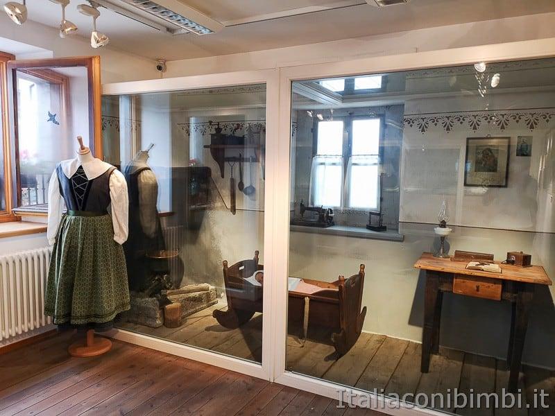 Centro di documentazione Luserna - Alpe Cimbra- oggetti e abiti cimbri