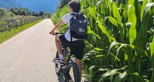 Ciclabile della Valsugana- bambino in bicicletta
