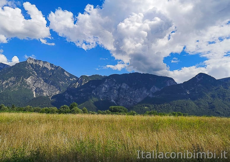 Ciclabile della Valsugana- campi e montagne