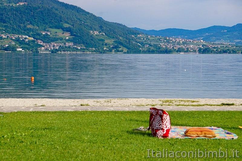 Ciclabile della Valsugana- spiaggia del lago di Caldonazzo