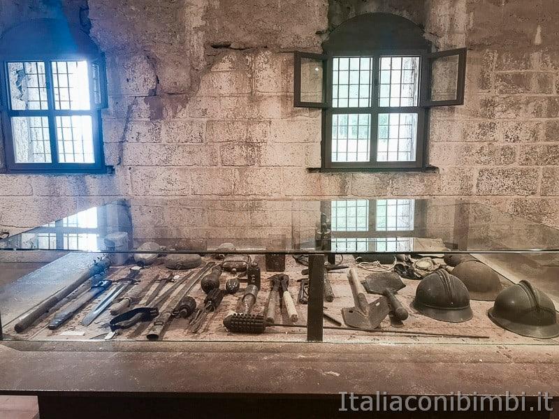 Forte Belvedere- armi ed altri oggetti dei soldati