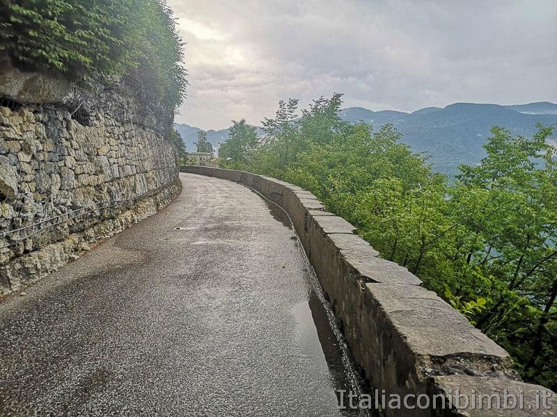 Forte Belvedere- strada per salire