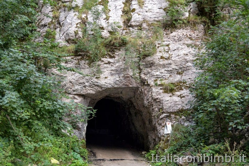 Gole dell'Infernaccio- galleria della grotta.