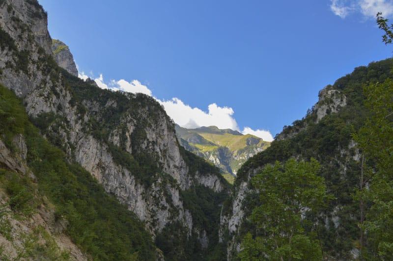 Gole dell'Infernaccio- vista sulle montagne