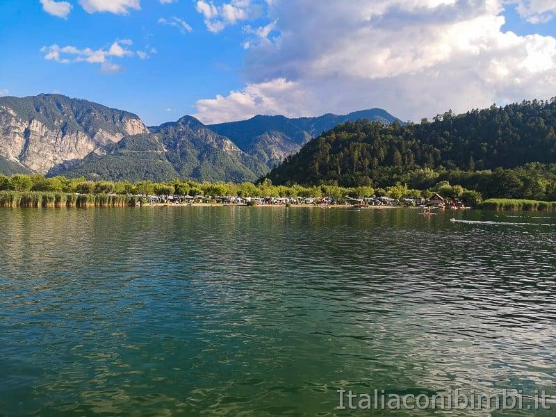 Lago di Levico- montagne