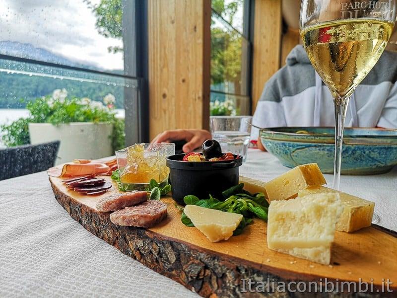 Lago di Levico- salumi e formaggi della Valsugana alla Taverna