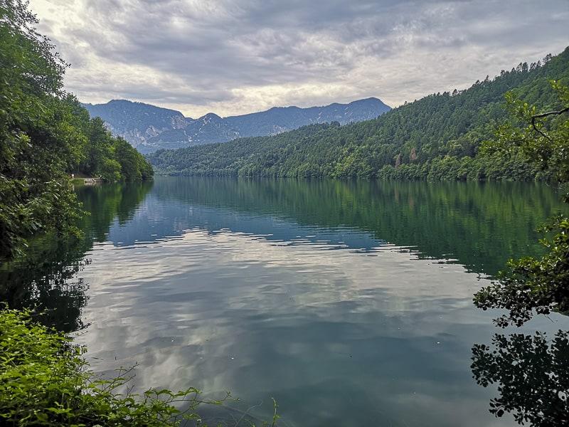 Lago di Levico- vista dalla passeggiata dei pescatori