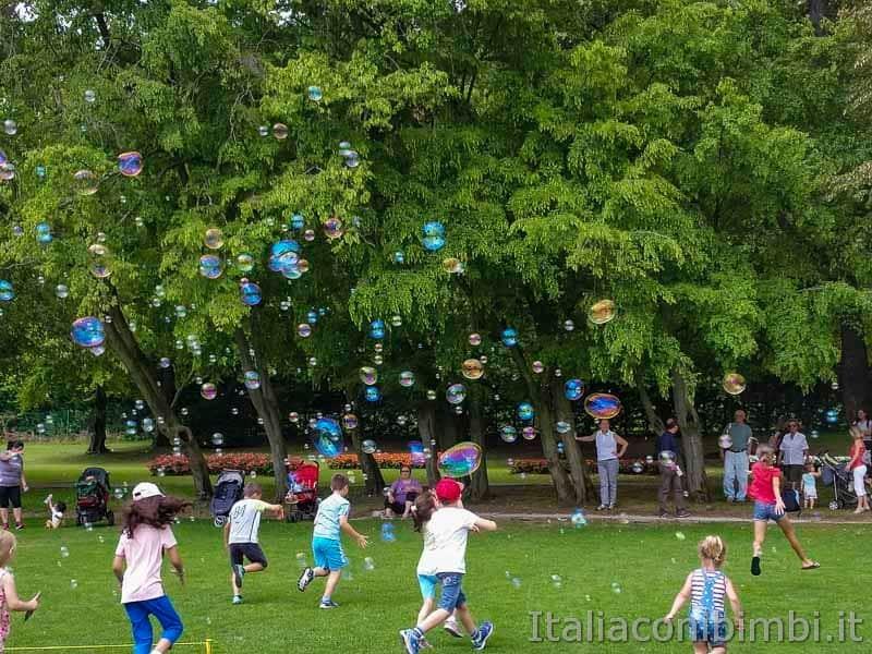 Parco Sigurtà - bambini e bolle di sapone