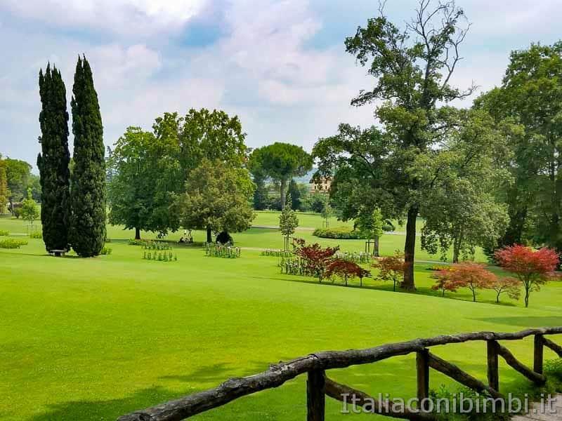 Parco Sigurtà - prati verdi e recinto