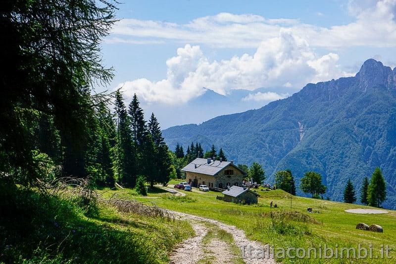Sentiero dell'Immaginario Alpe Cimbra- Malga Campo