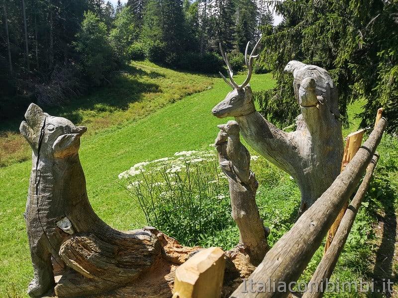 Sentiero delle Sorgenti - Alpe Cimbra- animali di legno