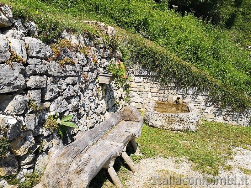 Sentiero delle Sorgenti - Alpe Cimbra- fontana vecia