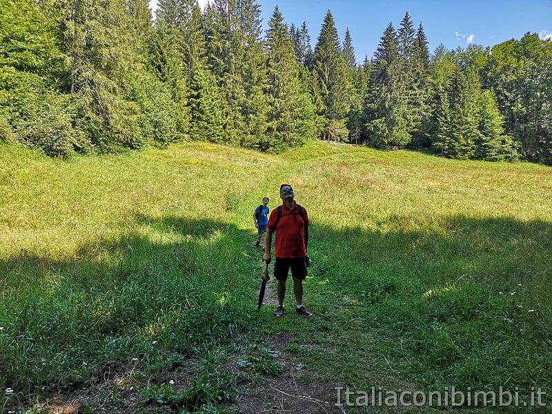 Sentiero delle Sorgenti - Alpe Cimbra- prato