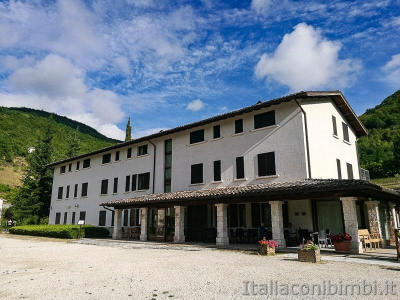 antiche-mulattiere-di-Acquasanta-Hotel-Ristorante-Monastero-Valledacqua