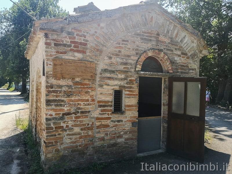 cascatelle di Sarnano- chiesetta della Madonna dei quattrocchi