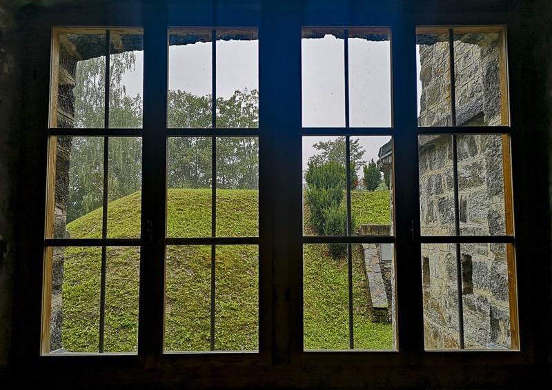 Forte delle Benne- finestra sul giardino