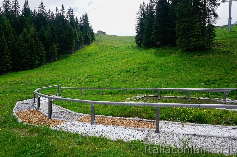 Mondo avventura montagna- percorso a piedi nudi