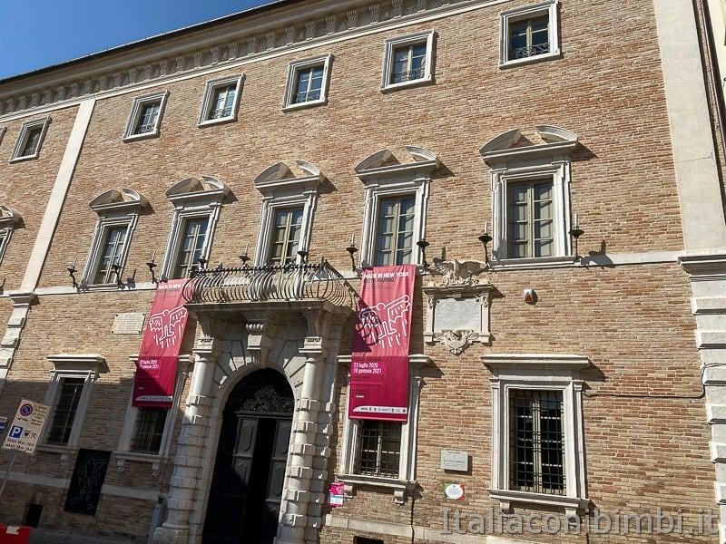 Osimo- Palazzo Campana