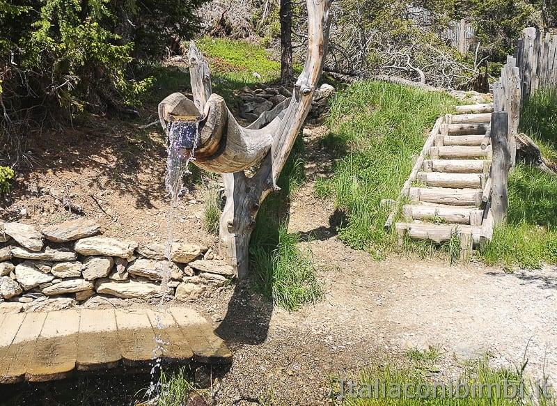 Parco natura Olperl Monte Elmo- giochi acqua fontana