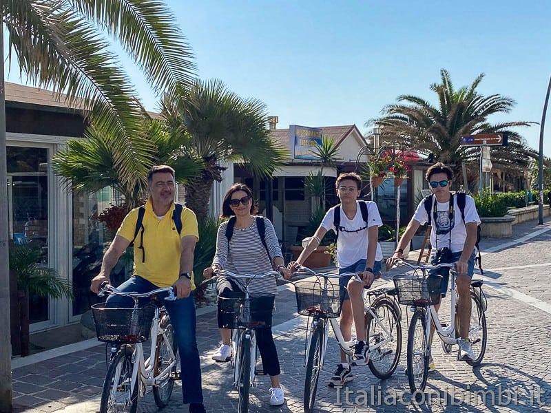 Porto Recanati- noi in bicicletta