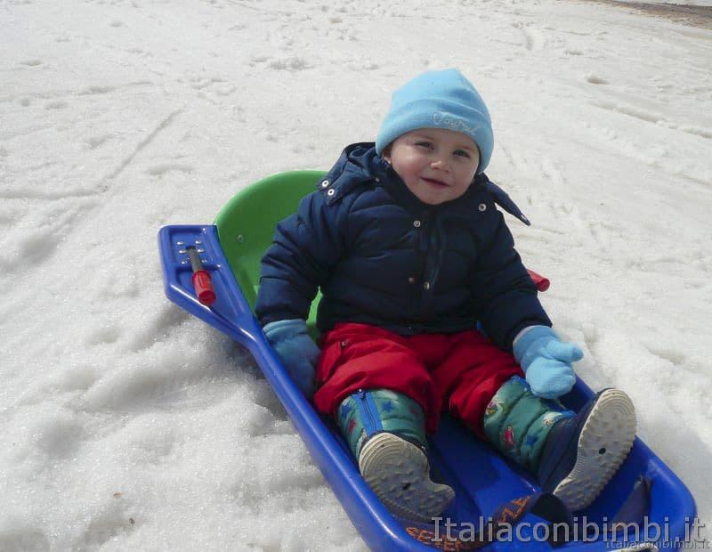 bimbo sulla neve- Andalo