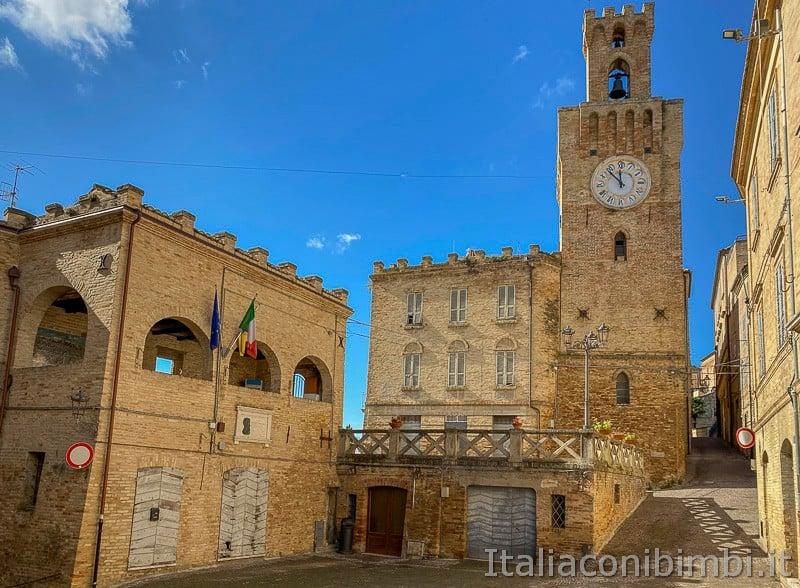Acquaviva-Picena-piazza