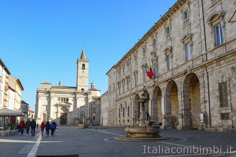 Ascoli-Piceno-piazza-arringo.