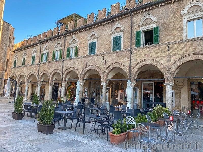 Ascoli-Piceno-piazza-del-popolo