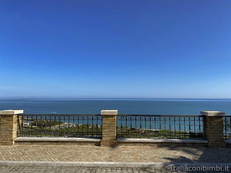 Torre-di-Palme-vista-mare-dalla-piazzetta