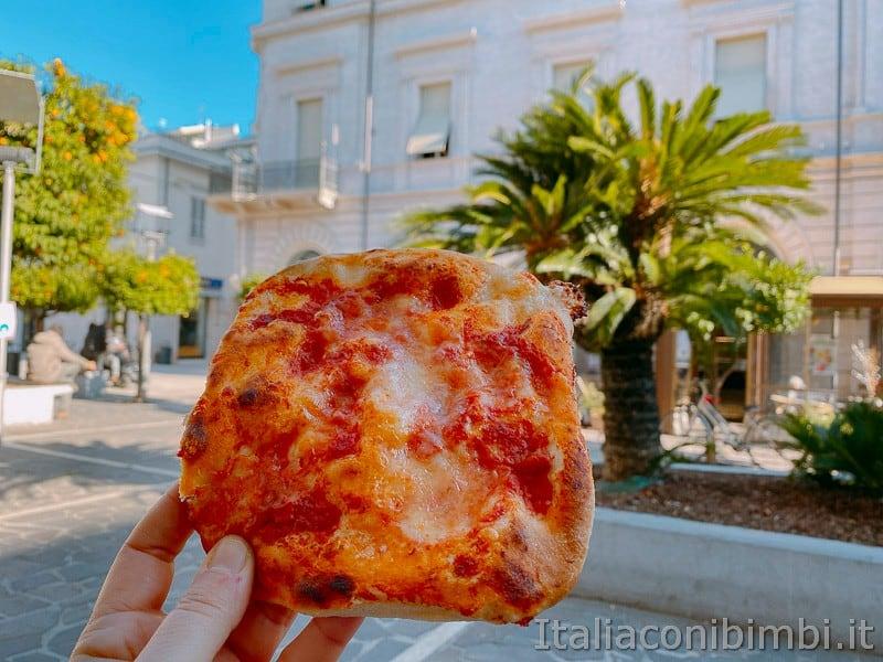 Grottammare- pizzetta di Concetti