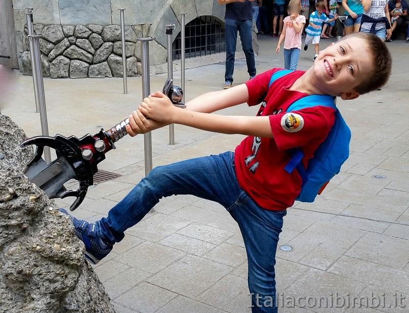 Legoland Germania- spada nella roccia