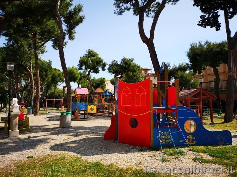 Parco giochi della Pineta Ricciotti di Grottammare