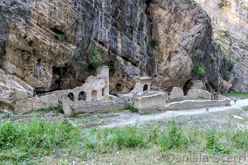 Abruzzo - Monastero Fara San Martino