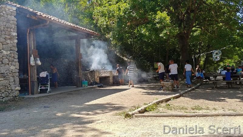 Abruzzo - area barbecue Lago di Sinizzo