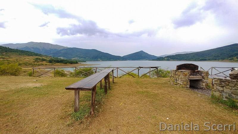 Abruzzo - area camper lago di Campotosto