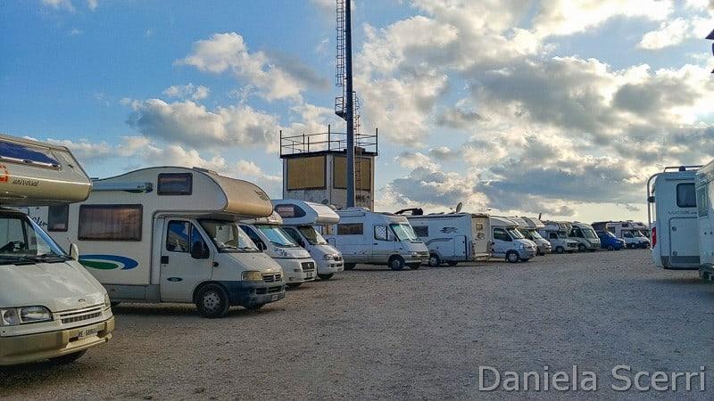 Abruzzo - area sosta camper Campo Imperatore