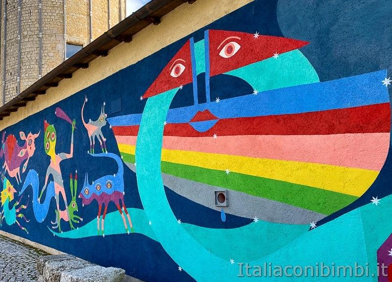 Aielli - Alto - murales sotto la torre