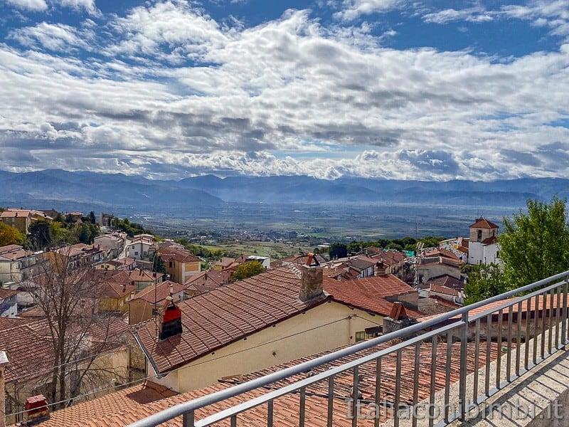 Aielli - Alto - panorama dal muro Fontamara