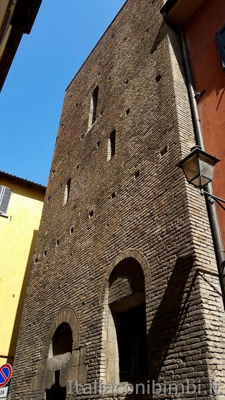 Bologna -torre Catalani ingresso