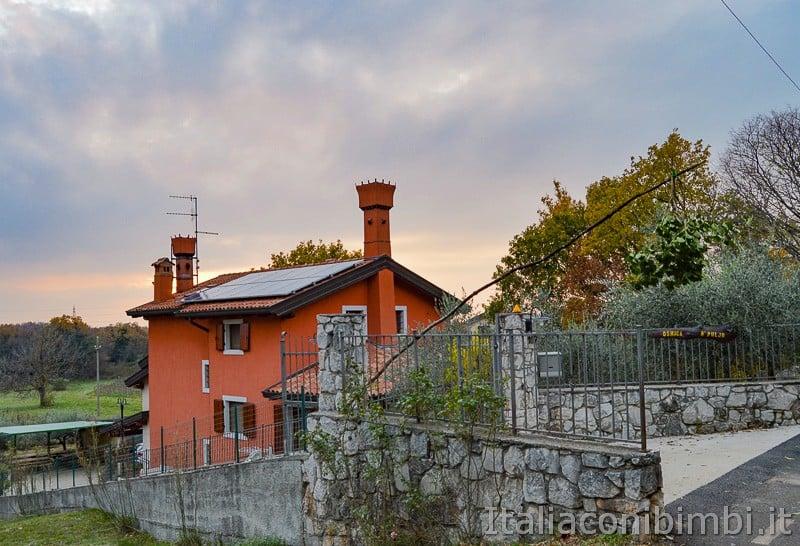 Trieste- Osmiza con la frasca fuori
