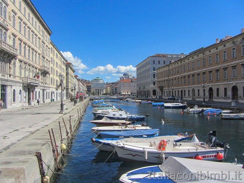 Trieste- barche sul canale di Ponterosso