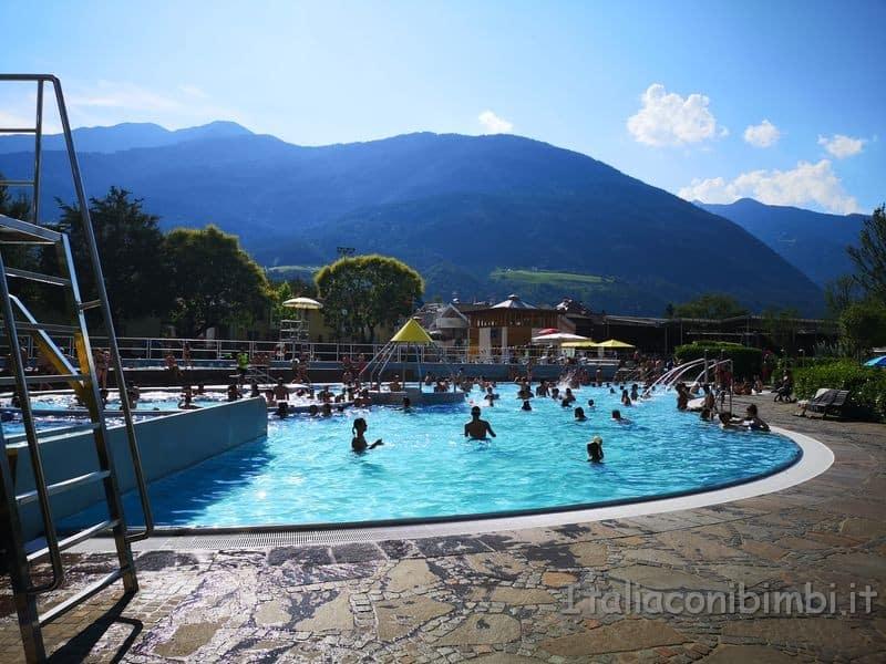 Acquarena-Bressanone-piscina-rotonda-esterna