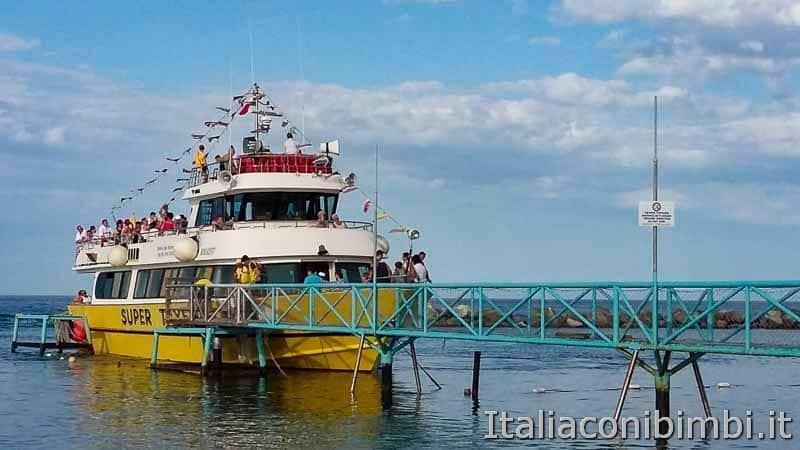 Bellaria Igea Marina - nave tayfun