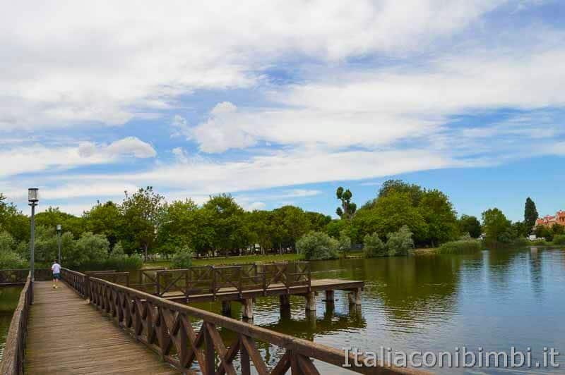 Bellaria Igea Marina - ponte di legno al lago del Gelso