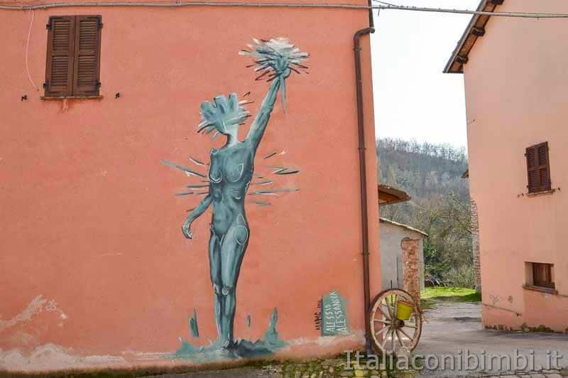Braccano - murales e vicolo