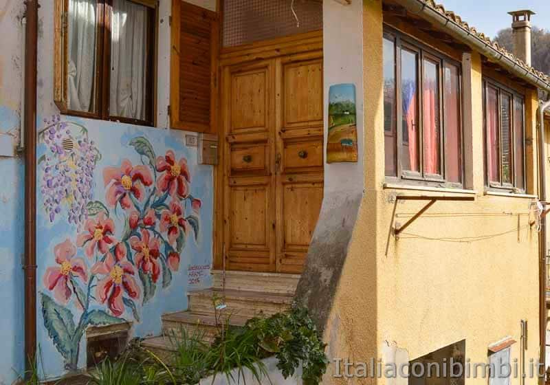 Braccano - murales fiori